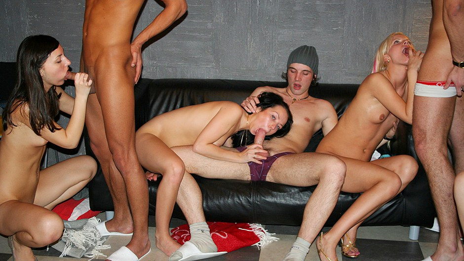 Incredibly sexy college fuck movie with group sex