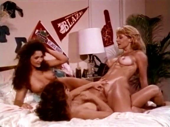 Ashlyn Gere, Bionca, Nina Hartley in lesbians make love in hot classic xxx threesome