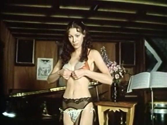 Annette Haven, Lisa De Leeuw, Paul Thomas in classic xxx site