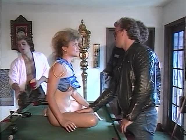 Frankie Leigh, Kim Alexis, Molly Munro in vintage fuck clip