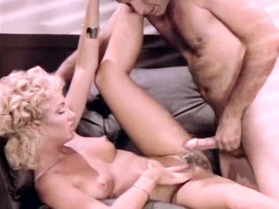 Gina Carrera, John Leslie in secretary spreads for the boss in classic porn