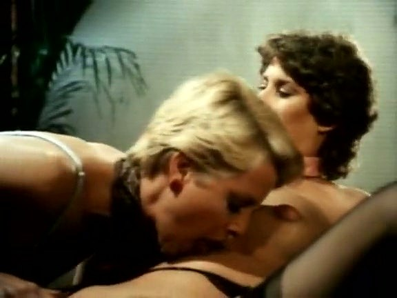 Aunt_Pegs_John Holmes, Richard Kennedy, Sharon York in classic sex video