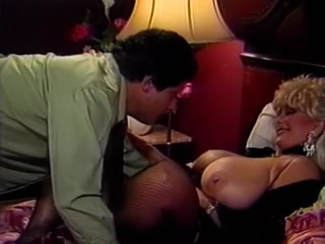 Amber Lynn, Candy Samples, Jenny B. Goode in vintage xxx video