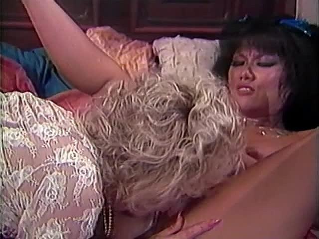 Amber Lynn, Danielle, Erica Boyer in vintage xxx clip
