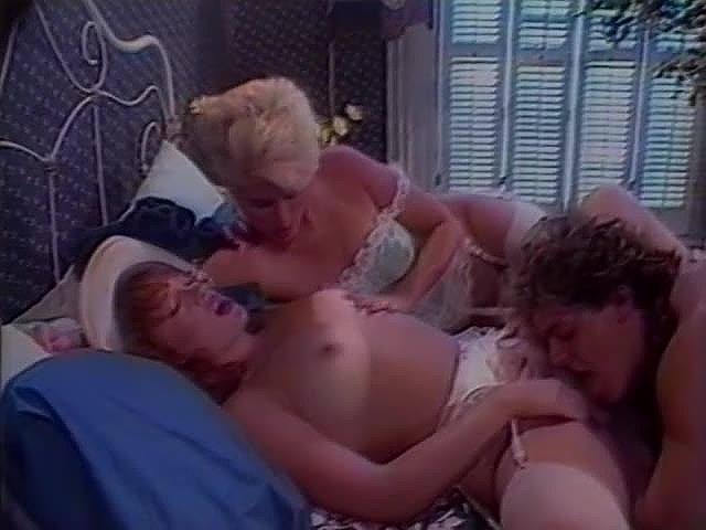 Amber Lynn, Lois Ayres, Nikki Charm in vintage fuck clip