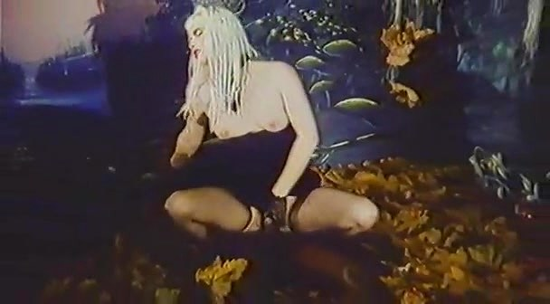 Cicciolina (Ilona Staller), Guido Sem, Anna Fraum in classic xxx clip