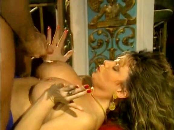 Tracey Adams, Randy West in bosomy girl plays lustful queen in 70s porn