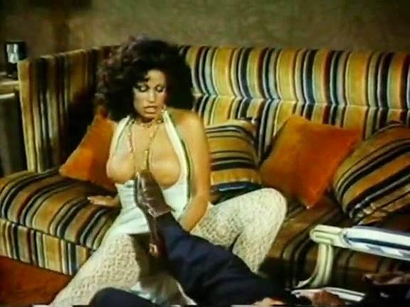 Vanessa del Rio, John Leslie in rough anal fucking in classic 70s porn scene