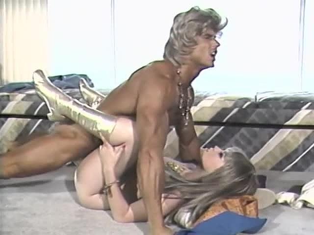 Candie Evans, Erica Boyer, Sharon Mitchell in classic sex clip